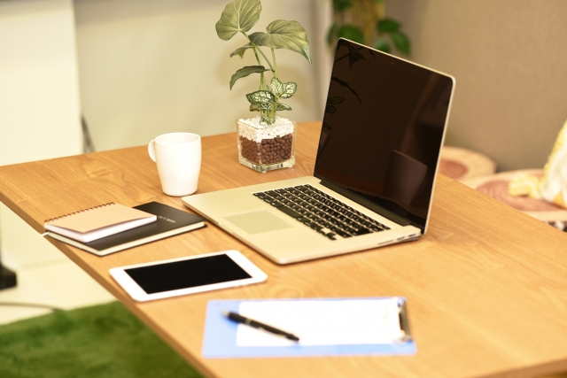 在宅勤務のメリットを活かしてテレワークで成果を出す4つのコツ
